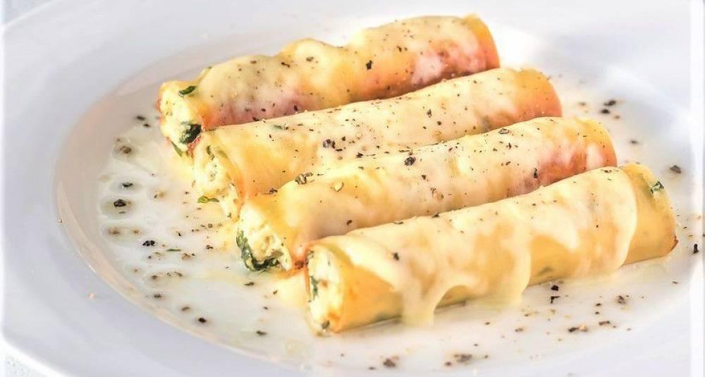 Bekkørret-cannelloni med kantarell og sukkererter i mynte