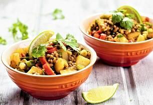 Poteter er en super base for smaksrike middagsretter uten kjøtt. Her får du ekstra krydder med på kjøpet