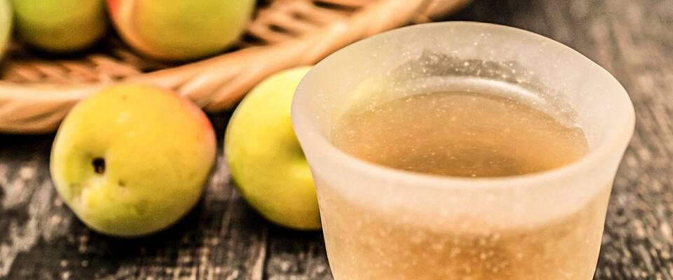 By på en martini med forførende smak av japansk plomme