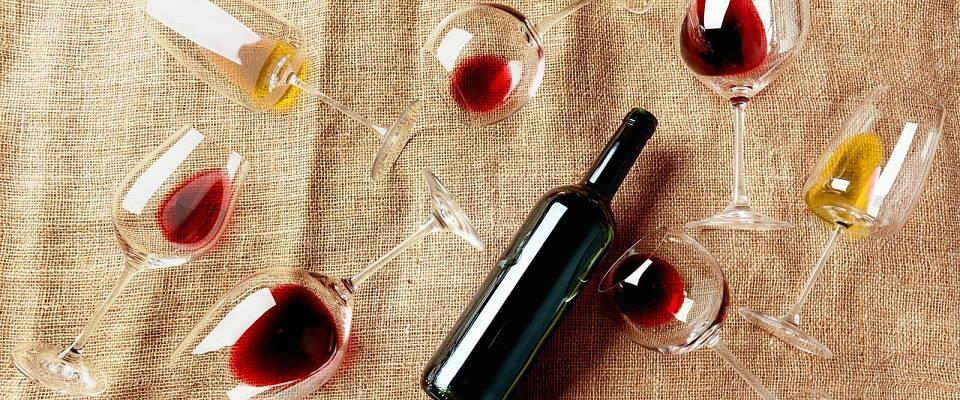 Lær forskjellen på Bordeaux og Burgund gjennom 10 deilige viner
