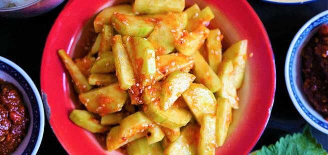 Spicy agurksalat