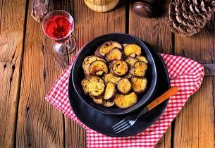 Stekt squash og aubergine med hvitløksaus som i Hellas