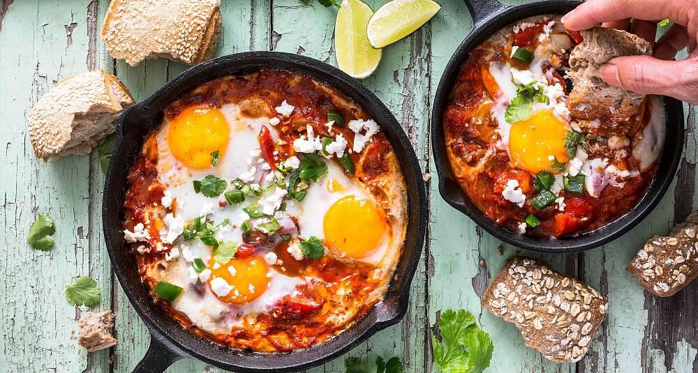 Huevos rancheros - meksikanske bakte egg i tomatsaus