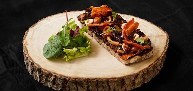 Ciabatta med bacon og sennep er perfekt dagen-derpå-mat