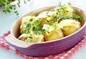 Helstekte poteter med hvitløk og timian