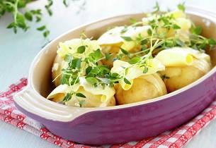 Helstekte poteter med timian og hvitløk