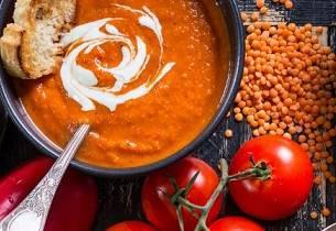 Suppe med rød paprika
