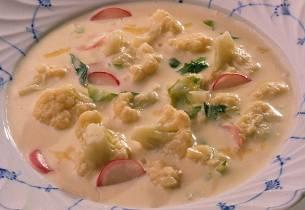 Kremet grønnsaksuppe med blomkål
