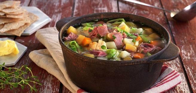 Kjøttsuppe med sellerirot
