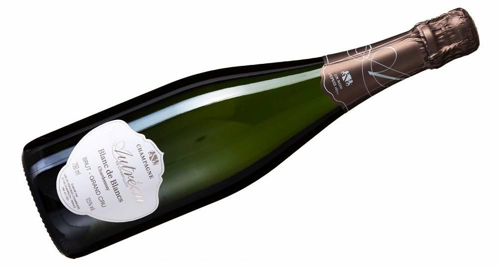 Planlegger du sjømat på 17. mai, gå for denne champagnen i glasset