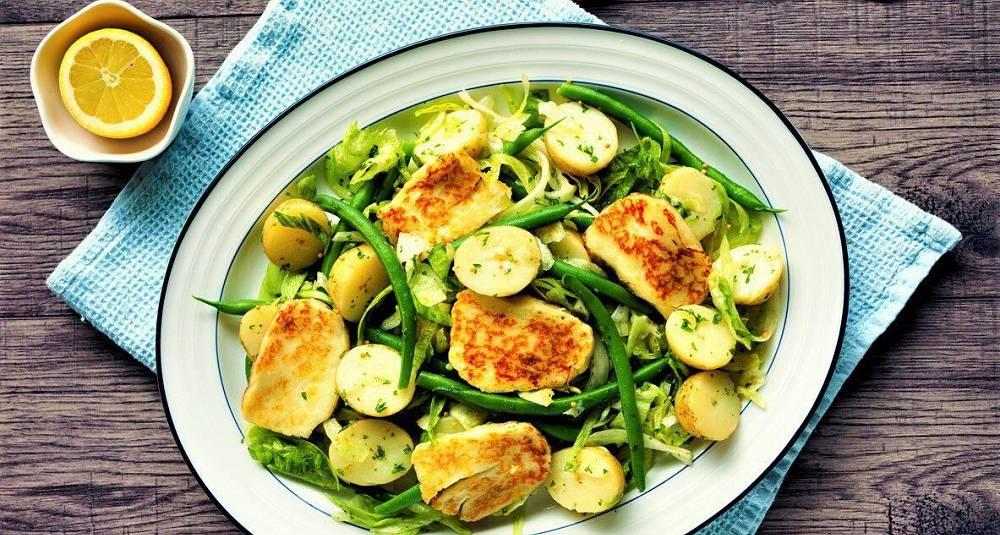 Vegetarisk Nice-salat med halloumi