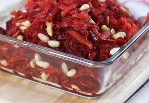 Rødbete- og gulrotråkost
