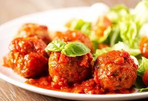 Korianderkjøttboller med tomatsaus
