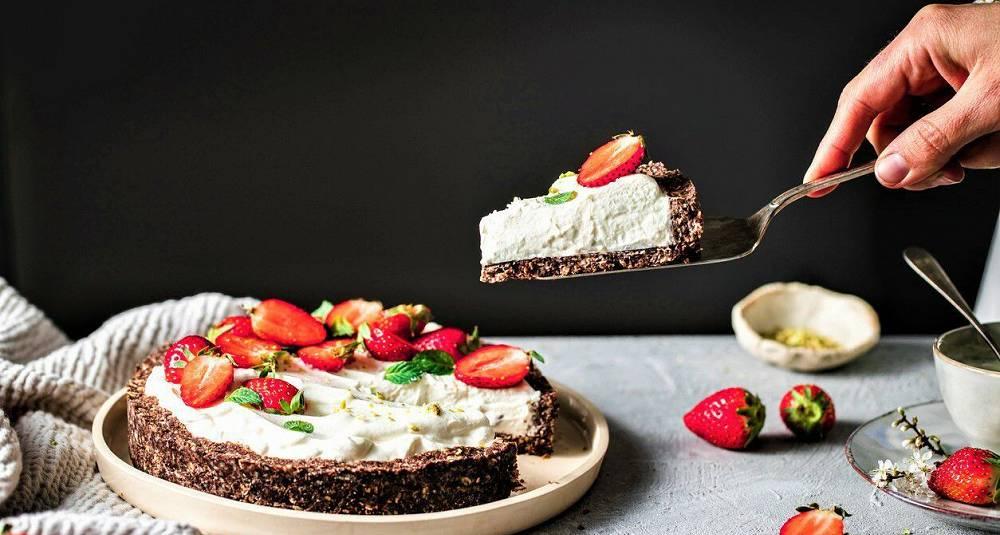 Jordbær og yoghurt-pai