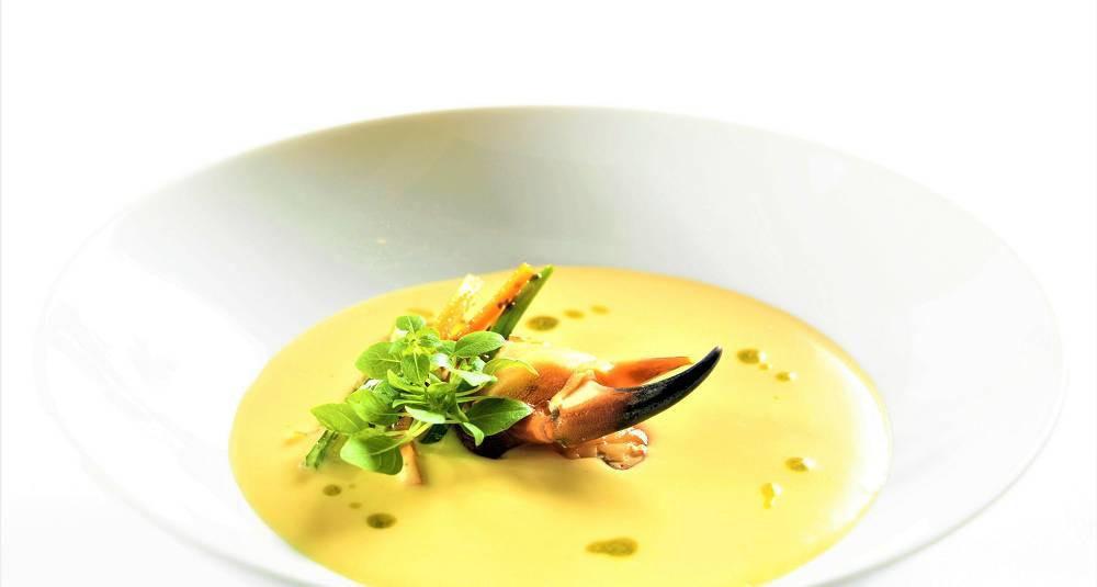 Krabbesuppe med urteolje