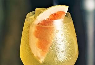Nordic Peach Spritz