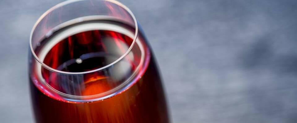 Hvitvin og likør gir en av tidenes mest populære drinker