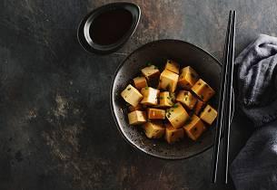 Wokgryte med marinert tofu
