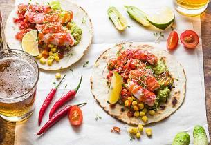 Kongekrabbetacos med guacamole og grillet maissalsa