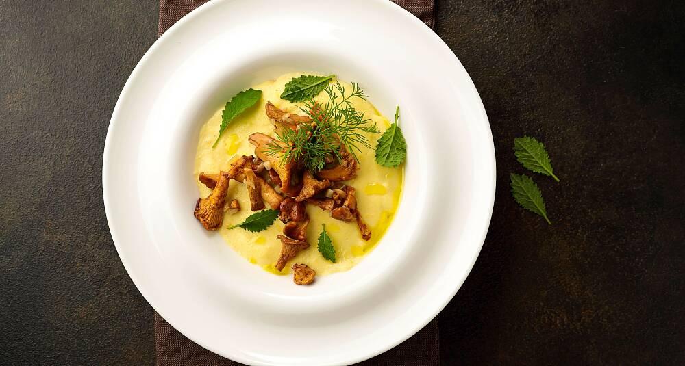 Kremet polenta med taleggio og skogsopp