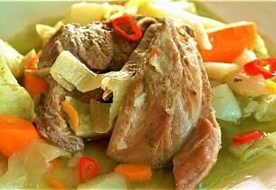 Pecheno Jagne So Zelka - Dampet lam med kål som i Makedonia