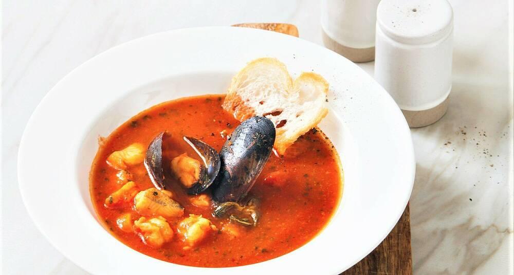 Tomatisert fiskesuppe