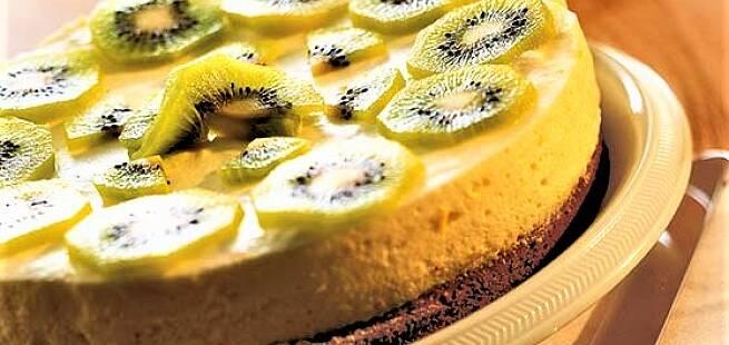 Sitronmousseterte med kiwi