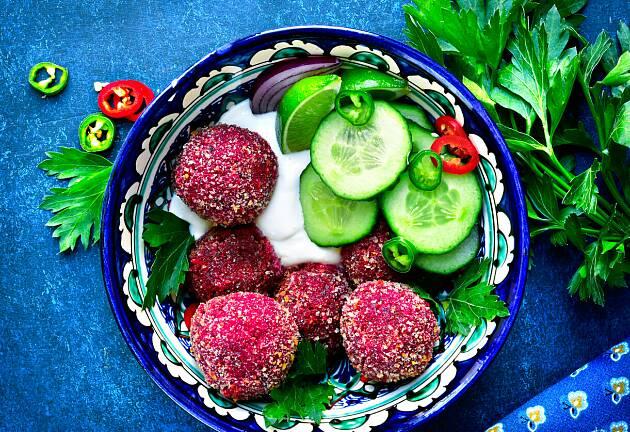 Lag denne fargerike varianten av falafel for en ny og spennende opplevelse