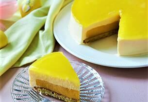 Sitronostekake med mangocurd og pistasjebunn