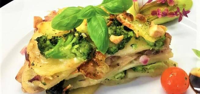 Potetkake med bacon,  brokkoli og mozzarella