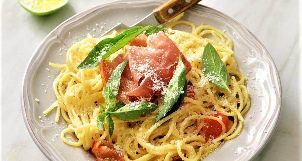 Spagetti med spekeskinke