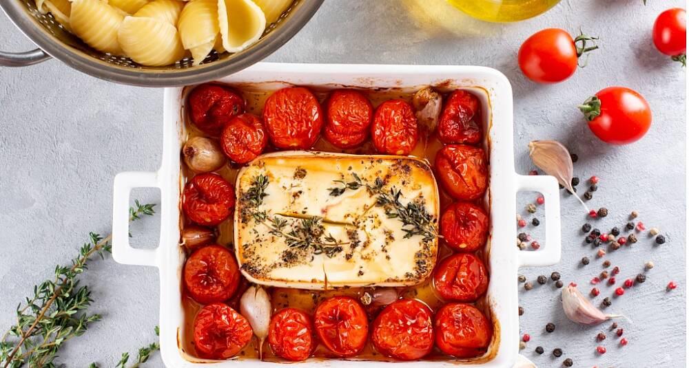 Pasta med bakt tomat og feta