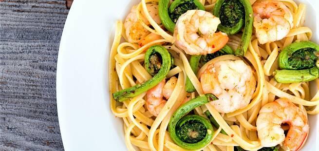 Strutseving med pasta og reker