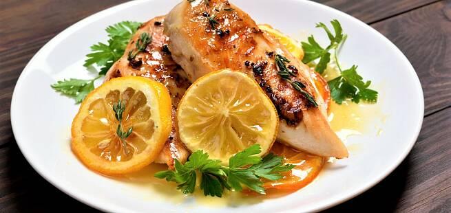 Kyllingfilet med appelsinsaus estragon og osterösti