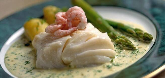 Torsk med reker og asparges