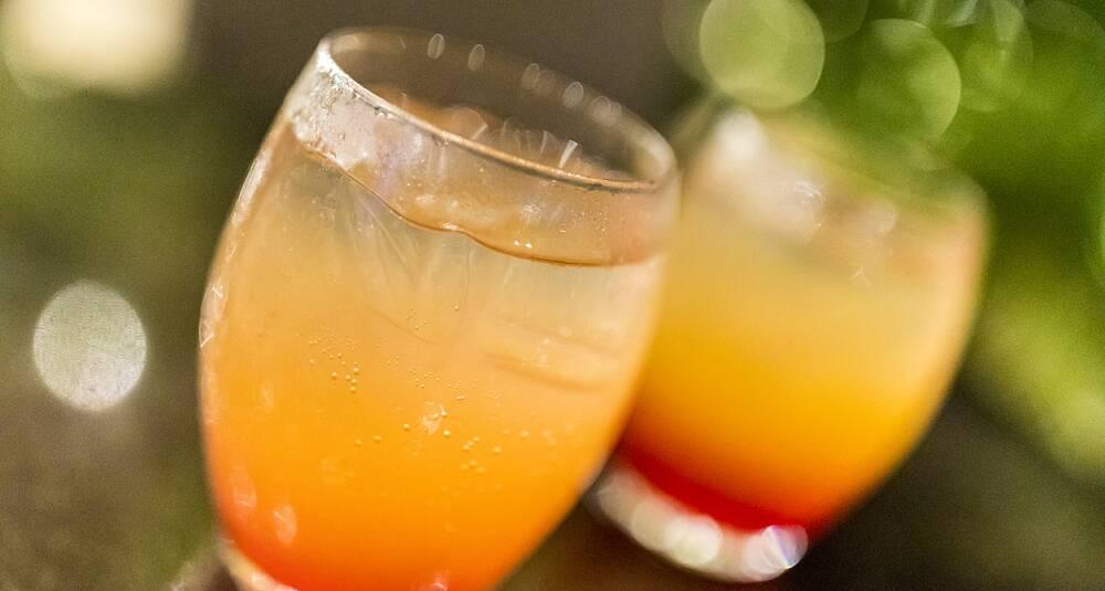 Slik lager du  drinkklassikeren Tequila Sunrise