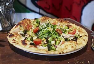 Pizza med marinert matjessild