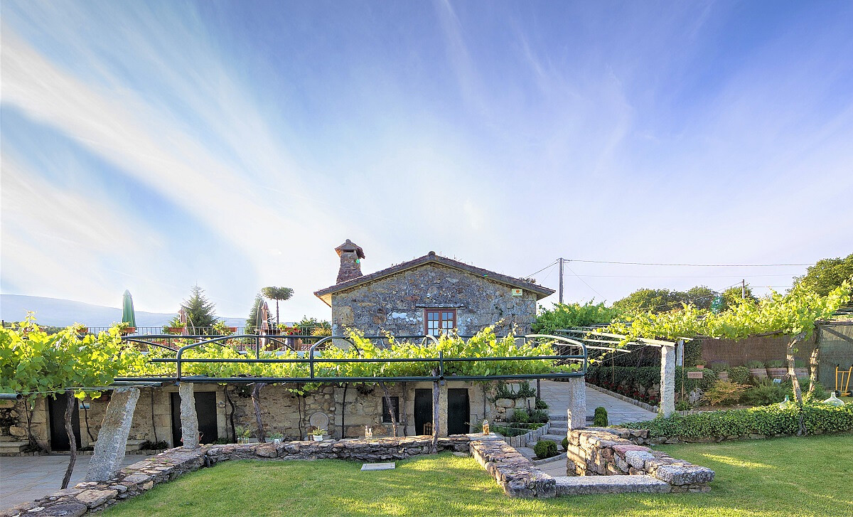 Quinta Couselo Winery.JPG [355.53 KB]